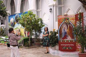 Nhà thờ Chánh tòa Đà Nẵng lung linh trước lễ Giáng sinh