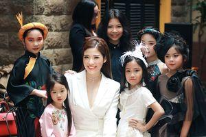 HH Phan Hoàng Thu: 'Cũng là một người mẹ, tôi có đủ kinh nghiệm để dạy catwalk cho các mẫu nhí'