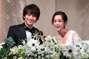 Chú rể Miura Shouhei và cô dâu Kiritani Mirei rạng ngời hạnh phúc trong tiệc cưới