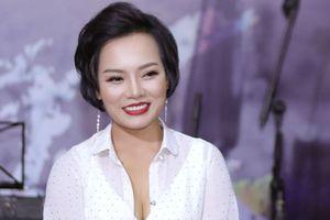 Ca sĩ Thái Thùy Linh bất ngờ nữ tính, đằm thắm