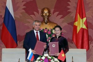 Chủ tịch Quốc hội hội đàm với Chủ tịch Duma Quốc gia Nga