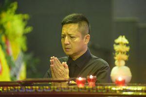 Diễn viên Chí Trung, Tự Long lặng người khi nhìn mặt NSND Anh Tú lần cuối