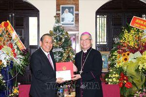 Lãnh đạo Đảng, Nhà nước và MTTQ chúc mừng nhân lễ Giáng sinh