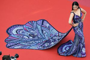 10 bộ đầm lộng lẫy nhất thảm đỏ 2018 của dàn mỹ nhân thế giới