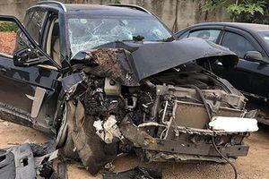 Xe ôtô Trung Quốc Zotye Z8 tai nạn 'nát đầu' tại Việt Nam