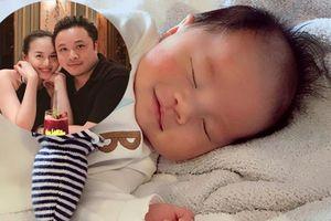 Ngắm vẻ đáng yêu vô đối của con trai Đinh Ngọc Diệp - Victor Vũ