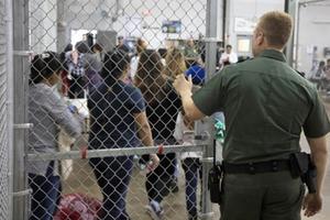 Mỹ & chính sách nhập cư 'không khoan nhượng'