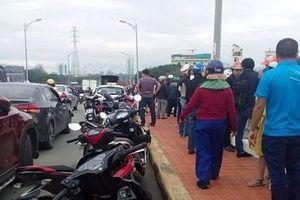 Bỏ xe máy trên cầu Hòa Xuân, người phụ nữ bất ngờ nhảy sông tự tử