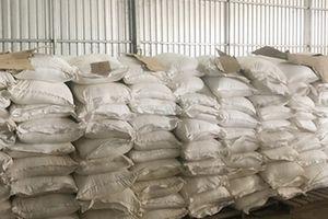 Bắt giữ 4 ghe gần 90 tấn hàng lậu ở An Giang