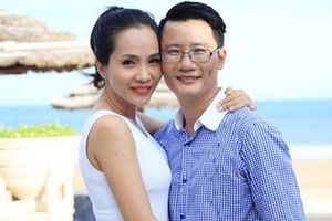 Hoàng Bách 'tố' vợ quên kỷ niệm 12 năm ngày cưới trên sóng truyền hình