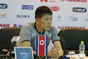 HLV Triều Tiên trẻ như cầu thủ, đấu tuyển Việt Nam là trận ra mắt