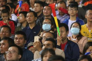 Sân Mỹ Đình 'nổ tung' vì tiếng kèn Vuvuzela