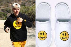 Justin Bieber ra mắt dòng dép 5 USD, cháy hàng sau vài giờ mở bán