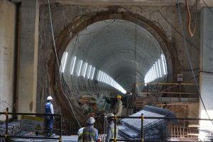 Trưởng BQL đường sắt nói về việc thay đổi độ dày tường vây metro số 1