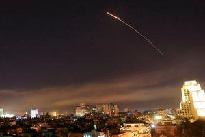 Syria bắn rụng tên lửa Israel tấn công vào Damascus