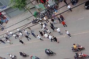 Hai băng nhóm cầm hung khí, hỗn chiến kinh hoàng ở TP Hồ Chí Minh