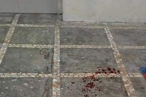 Gạch rơi trúng đầu, bé trai 3 tuổi tử vong khi đang chơi ở sân chung cư
