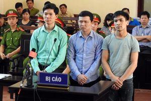 Có 10 luật sư bào chữa cho bác sĩ Hoàng Công Lương trong phiên tòa sơ thẩm