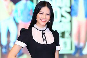 Phương Khánh, Khả Trang đẹp rạng ngời trên sàn tập show thời trang nhí