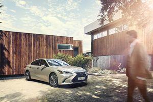 Lexus giới thiệu ES 250 mới với giá 2,499 tỷ VNĐ