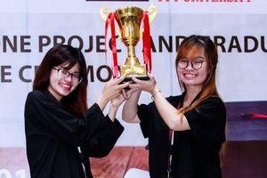 Hai nữ sinh thổi hồn vào logo của V.League 1