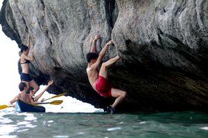 Quảng Ninh - nơi lặn biển, leo núi, khám phá rừng nguyên sinh thú vị