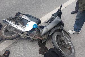 Xe bồn va chạm xe máy, nữ sinh viên trường y tử vong