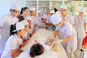 Bến Tre hỗ trợ học phí cho sinh viên chính quy y dược
