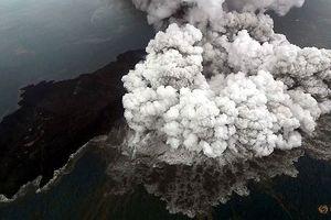 Indonesia nâng cảnh báo vì núi lửa hoạt động mạnh