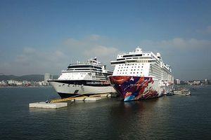 Cảng tàu khách du lịch quốc tế Hạ Long lần đầu đón tàu 'khủng'