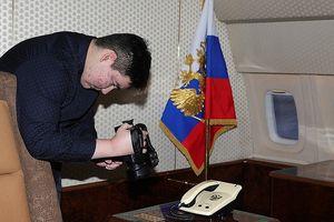 Đứa trẻ được đích thân Tổng thống Putin mời tham quan chuyên cơ là ai?