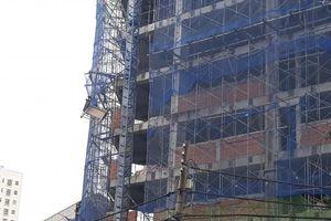 Đứt cáp thang máy công trình, một nam công nhân tử vong