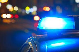 Kẻ trộm cầu cứu cảnh sát để thoát khỏi xe Volvo