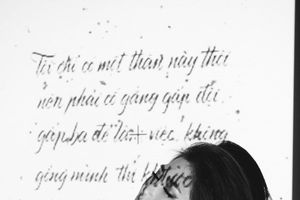Hương Tràm khoe ảnh 'nóng bỏng' đầy nghệ thuật lưu giữ vẻ đẹp thanh xuân