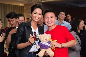 Hoa hậu H'Hen Niê mong có tình yêu sét đánh với cầu thủ Việt Nam