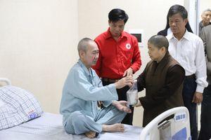 Bệnh viện Đa khoa tỉnh Phú Thọ: Ấm lòng 'nồi cháo nghĩa tình' sẻ chia với người bệnh khó khăn