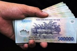 Tạm giam kẻ môi giới trong vụ 'vòi' doanh nghiệp 100.000 USD ở Bắc Giang