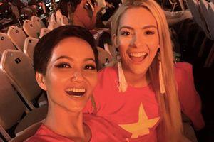 Hoa hậu Mỹ đính hôn ngay sau Hoa hậu Hoàn vũ 2018
