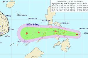 Áp thấp nhiệt đới áp sát biển Đông, xu hướng mạnh thành bão