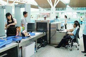Cảnh giác khi nhận mang hộ đồ lên máy bay