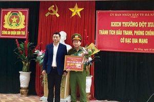 Khen thưởng phá án vụ đánh bạc qua mạng do người Trung Quốc cầm đầu