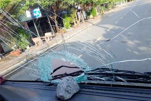 Điều tra một số đối tượng ném đá vào ô tô trên đường ở Bạc Liêu