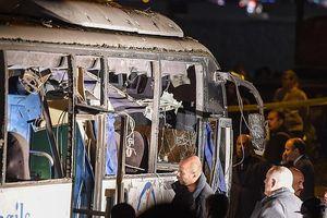 Cận cảnh hiện trường vụ xe chở du khách Việt bị đánh bom ở Ai Cập