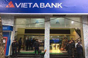 Khởi tố vụ án lừa đảo xảy ra tại ngân hàng Việt Á
