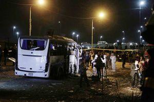 Thế giới lên án vụ đánh bom xe chở du khách Việt Nam ở Ai Cập