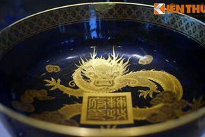 Soi cuộc sống xa hoa của vua Nguyễn qua cổ vật vô giá