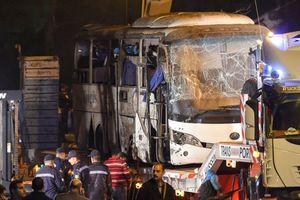 Đánh bom chết người: Đồng loạt hủy tour đi Ai Cập