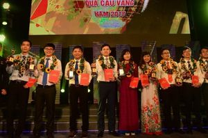 Vinh danh 10 tài năng trẻ đoạt Giải thưởng khoa học công nghệ Thanh niên Quả Cầu Vàng 2018