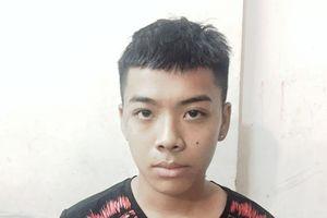 Vừa giật điện thoại của nam du khách Hàn Quốc, tên cướp bị đặc nhiệm tóm gọn