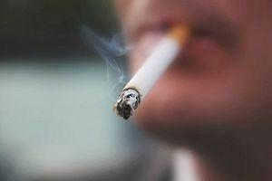 Hút thuốc lá... phá hoại dạ dày